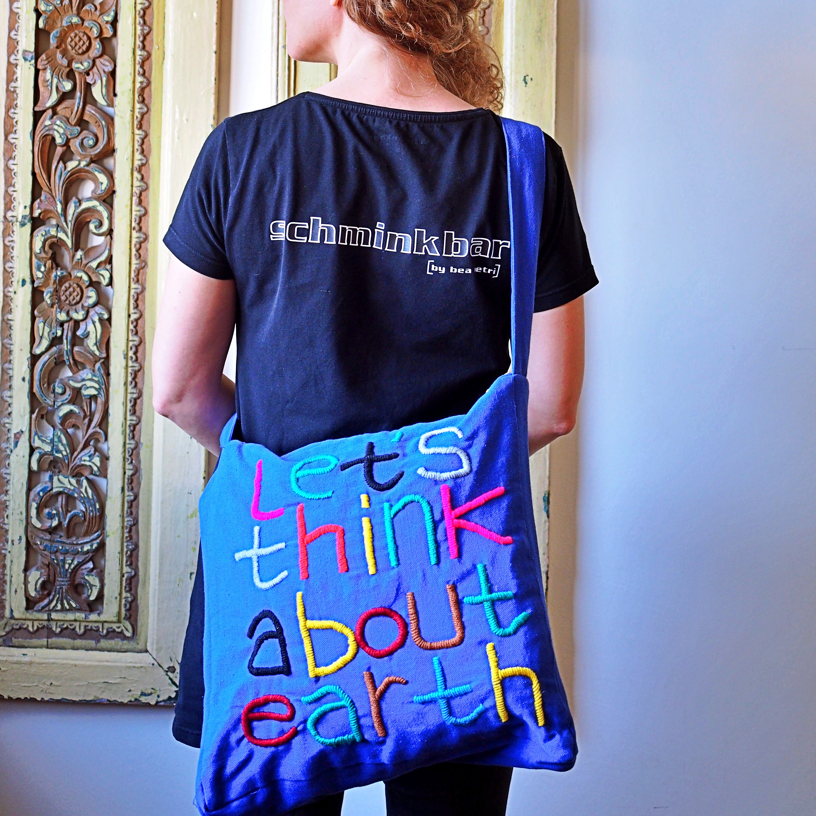 Tasche Let`s think about Earth blau